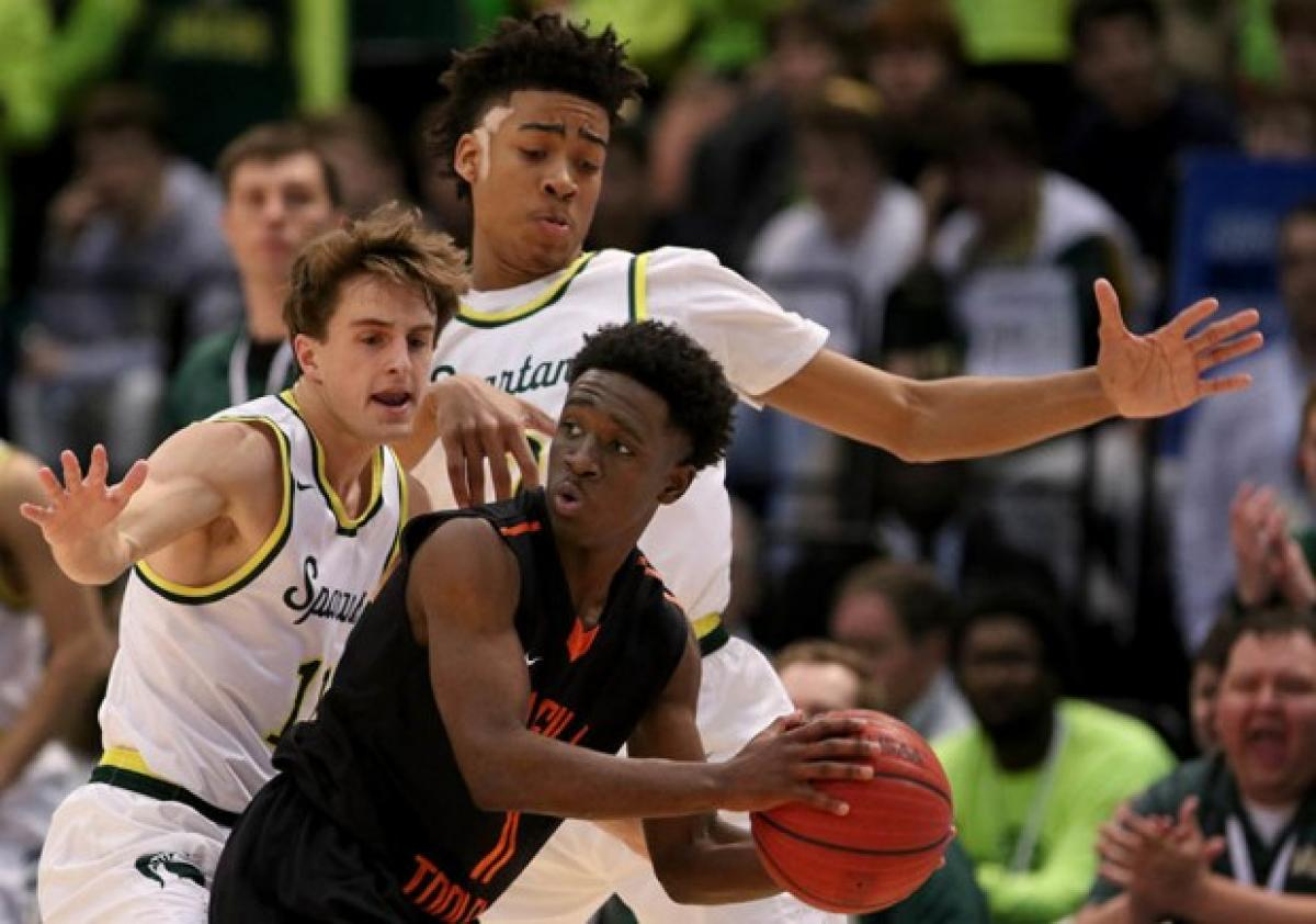Mountain Brook 52, McGill-Toolen 41: Trendon Watford powers Spartans past 7A defending champs
